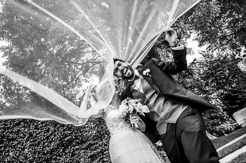 Sposi sotto il velo