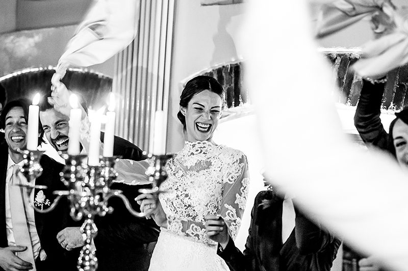 Sposa sorridente matrimonio