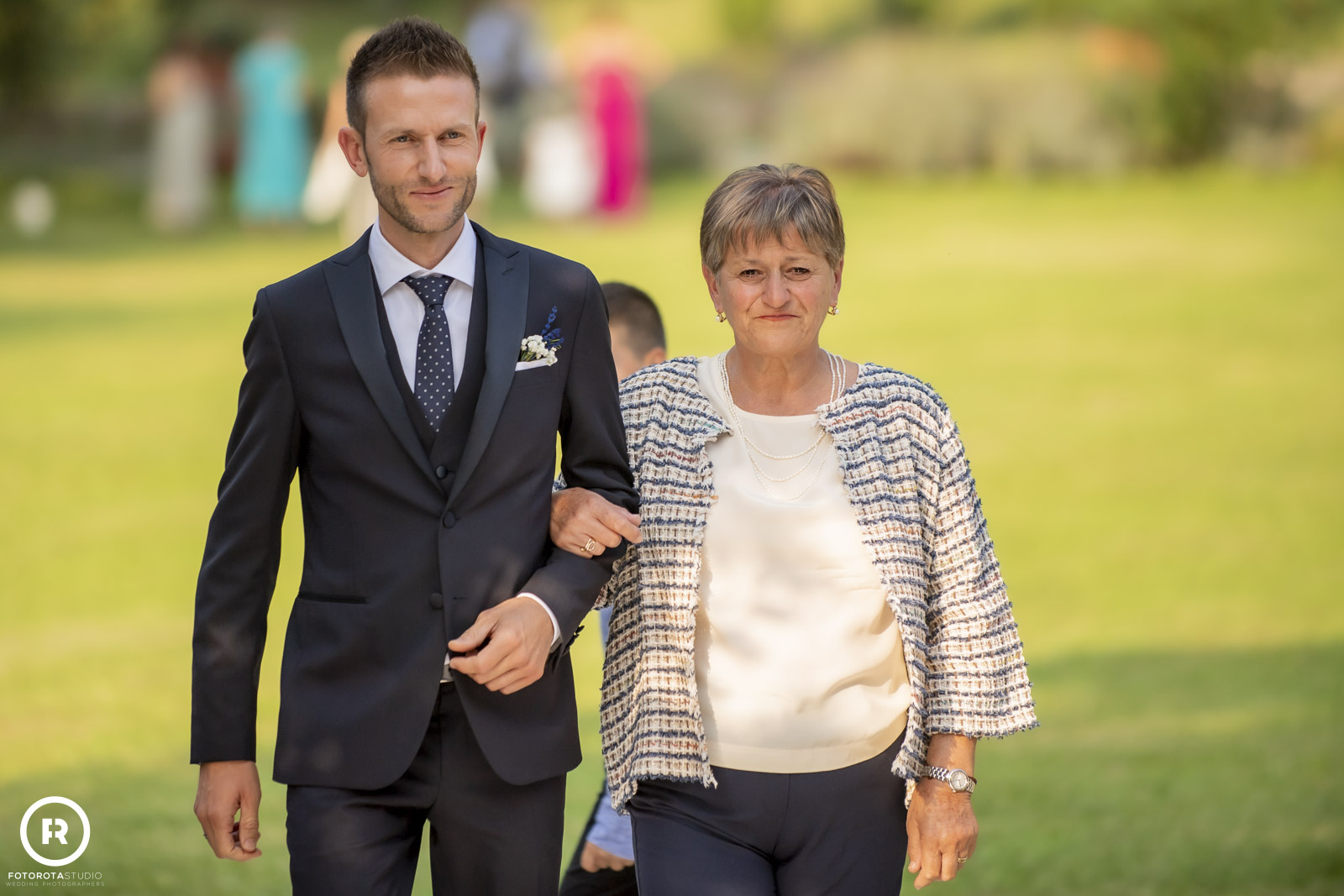 Lo sposo con la mamma